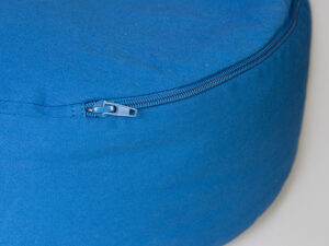 Kehlchakra Meditationskissen mit Buchweizen gefüllt Ø 36 cm x 15 cm hoch