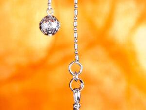 Spiral Pendel Bergkristall 2,5 cm, Messing, versilbert